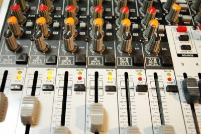 友瀬インストラクターがラジオに出演(ヒロサワ)